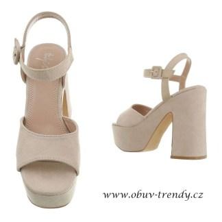 béžové sandály na platformě