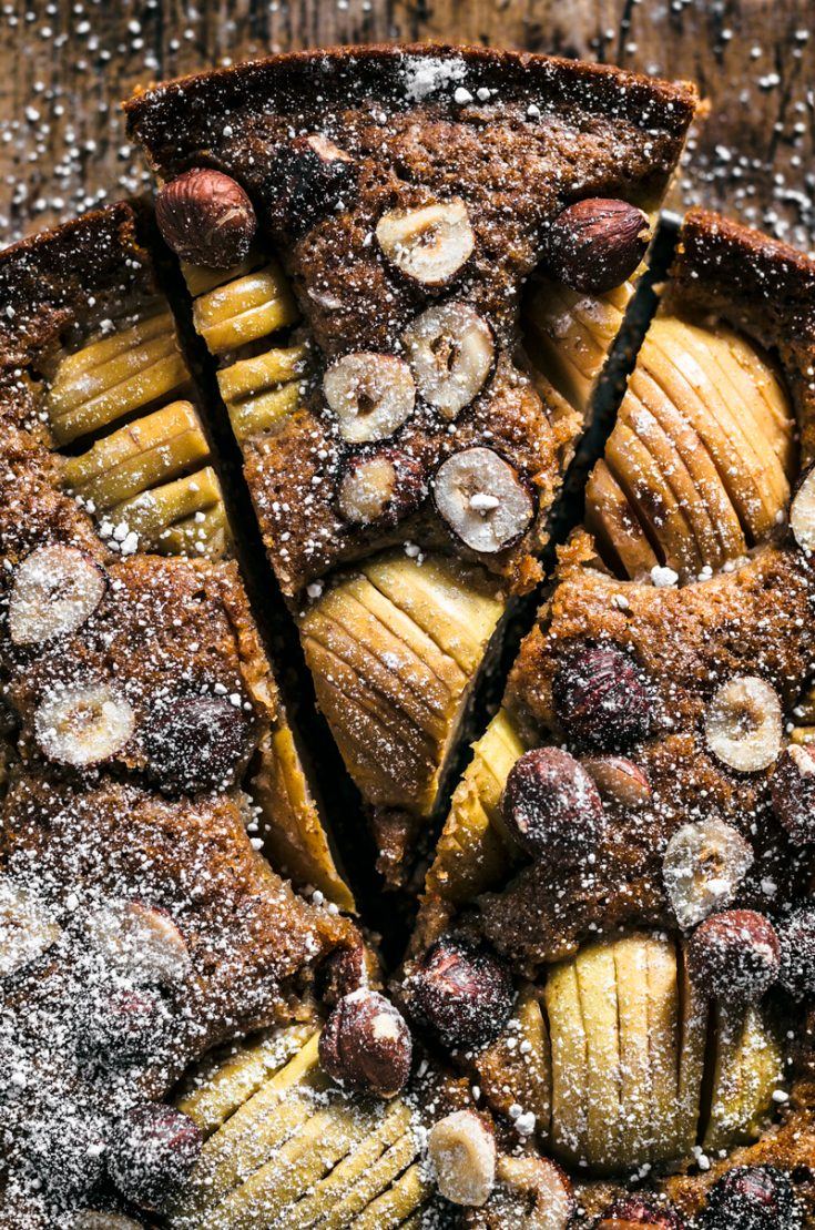 Apple Hazelnut Cake