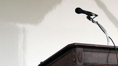 debate-podium2