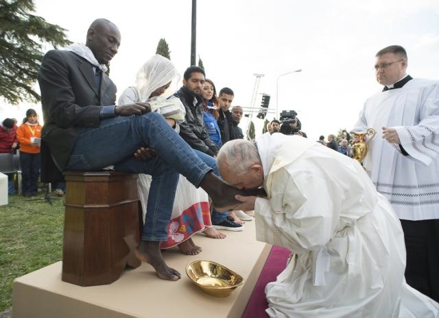 CINO Pope boot licking