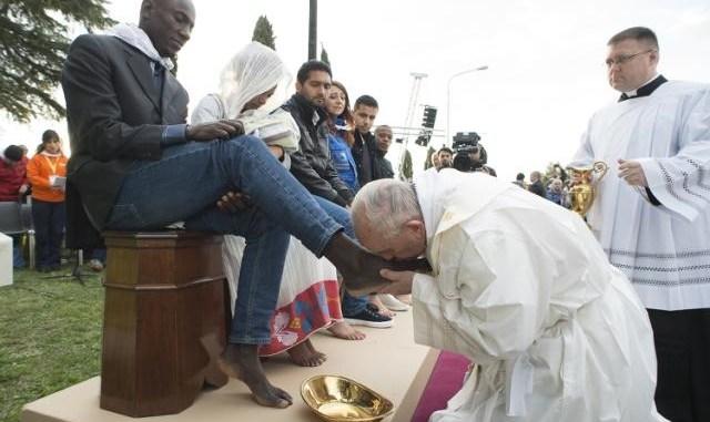 pope-boot-licking.jpg