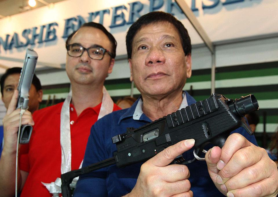Philippines: ISIS-Affiliated Units Seize Large City, Rody Duterte Declares Martial Law