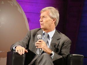640px-2013 Global Conference at Unesco Vincent Bollore copy