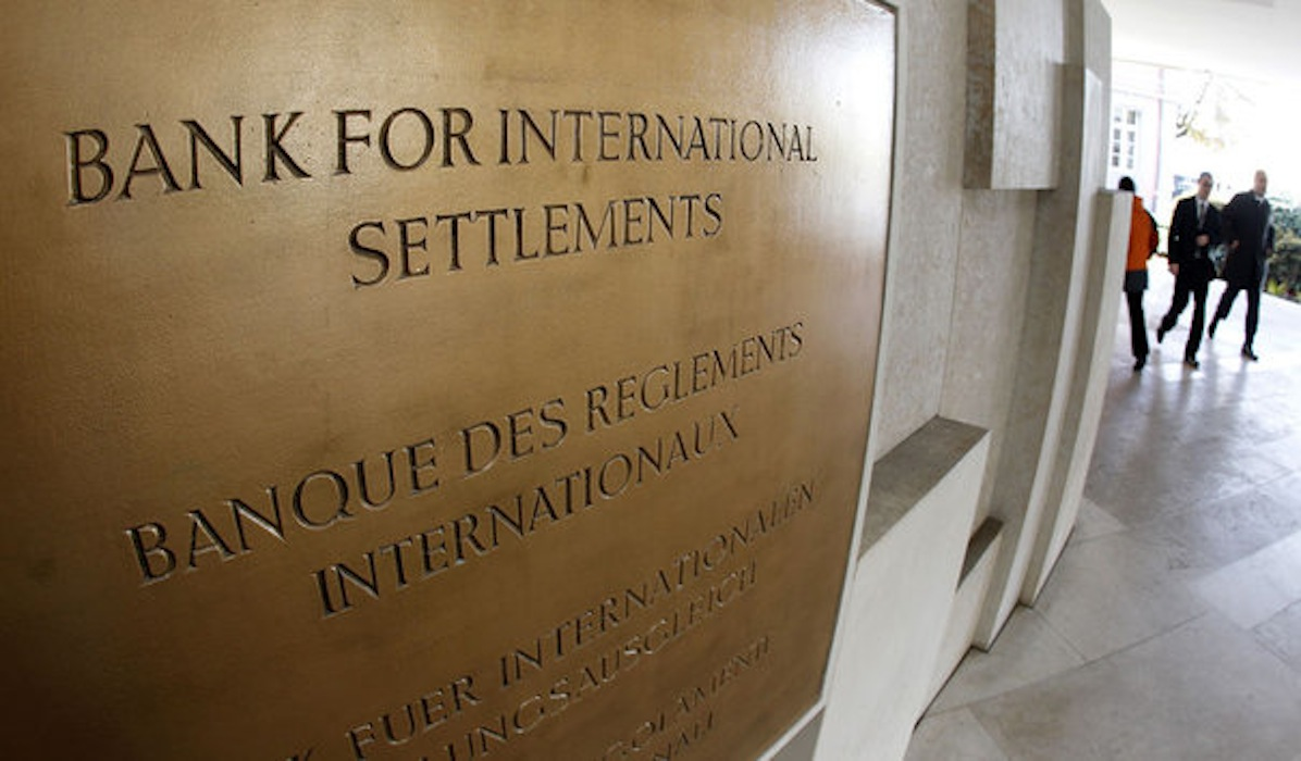 Bank for International Settlements, Devon Douglas-Bowers, central banks