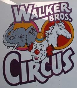 colonial-beach-circus-sign