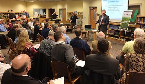 Sen. Geoff Hansen addresses the group.