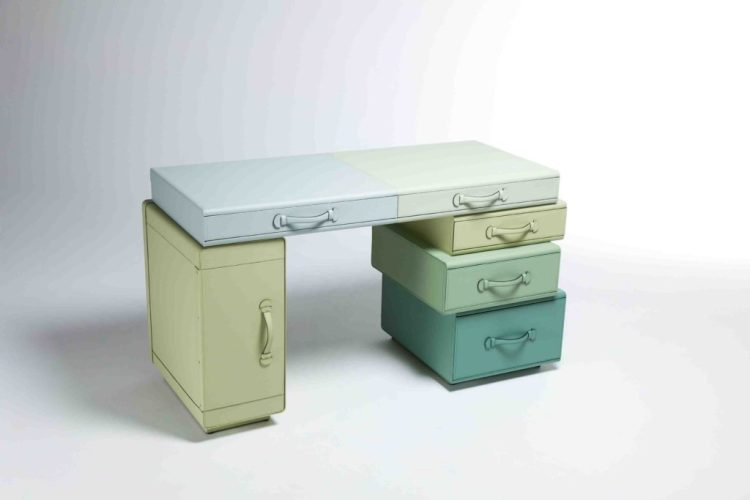 2-writing-table-of-suitcases-by-maarten-de-ceulaer