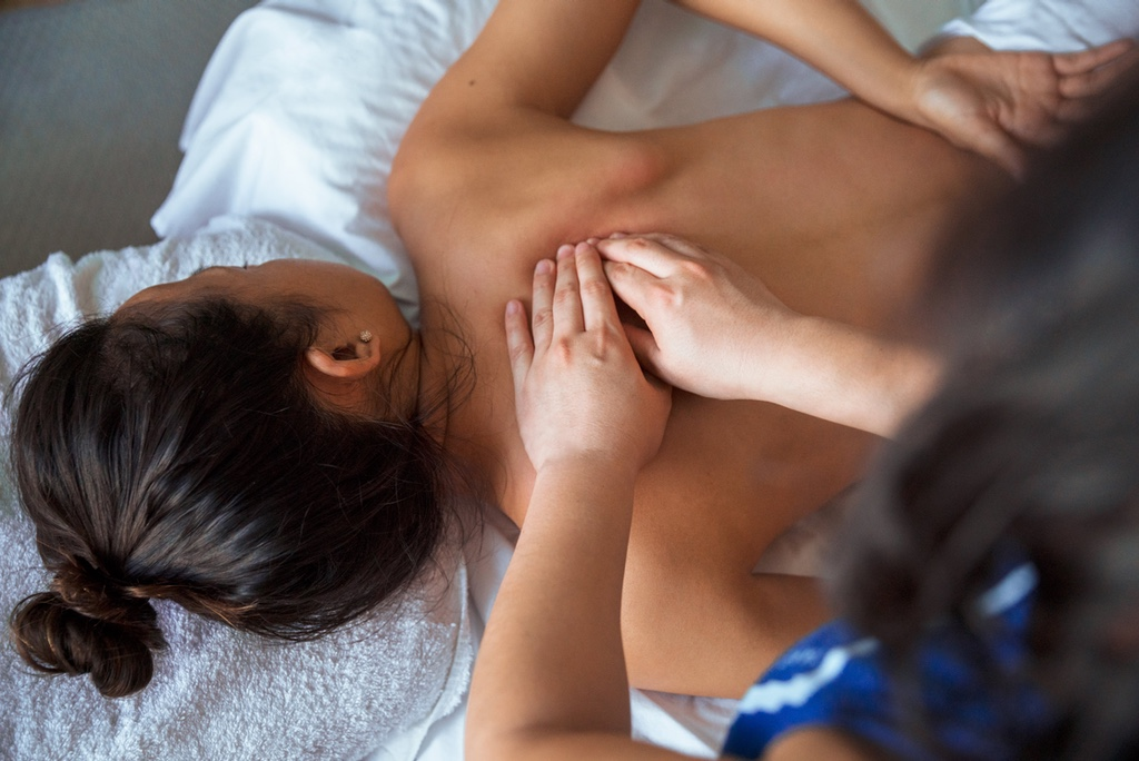 5 Reasons You Should Get Regular Massages