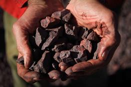mineral manos1