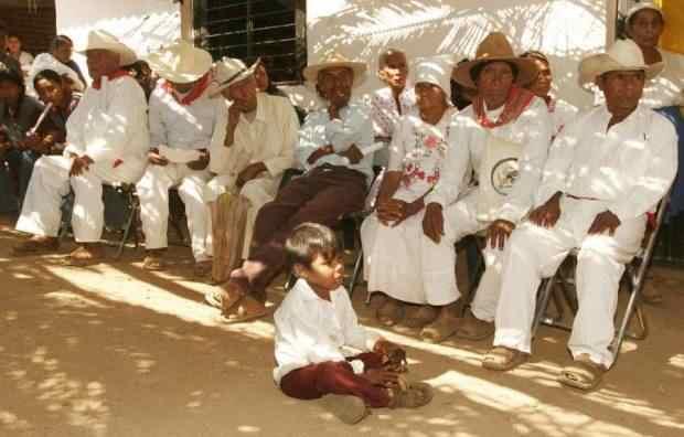 indigenas en colima mexico
