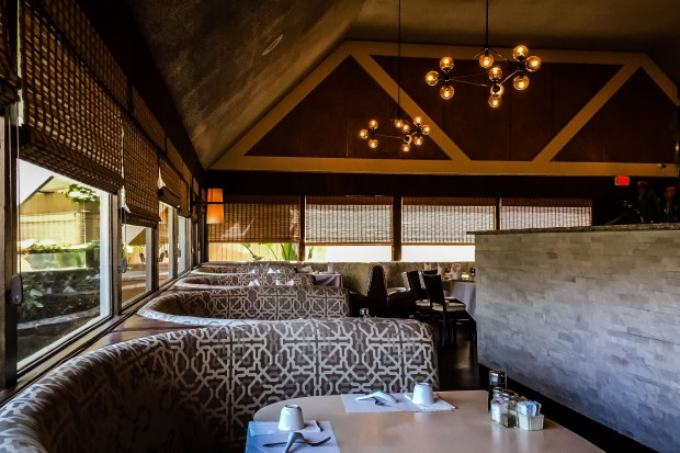 Googie-inspired interior at Yen Ching in Orange. (Photo by Brad A. Johnson, Orange County Register/SCNG)