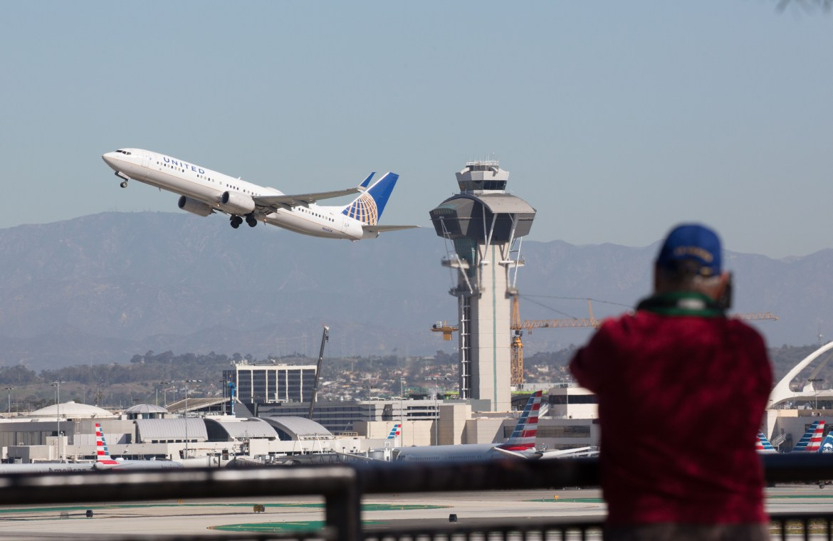 Only in LA': Pilots report man flying jet pack at 3,000 feet near LAX - 247  News Around The World