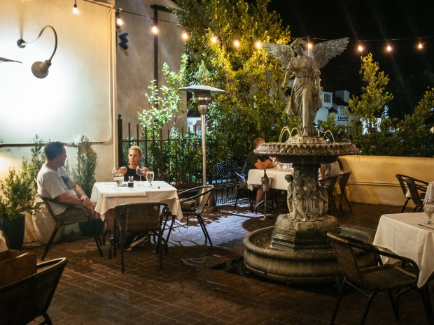 The patio at Christakis, a Greek restaurant in Tustin (Photo by Brad A. Johnson, Orange County Register/SCNG)