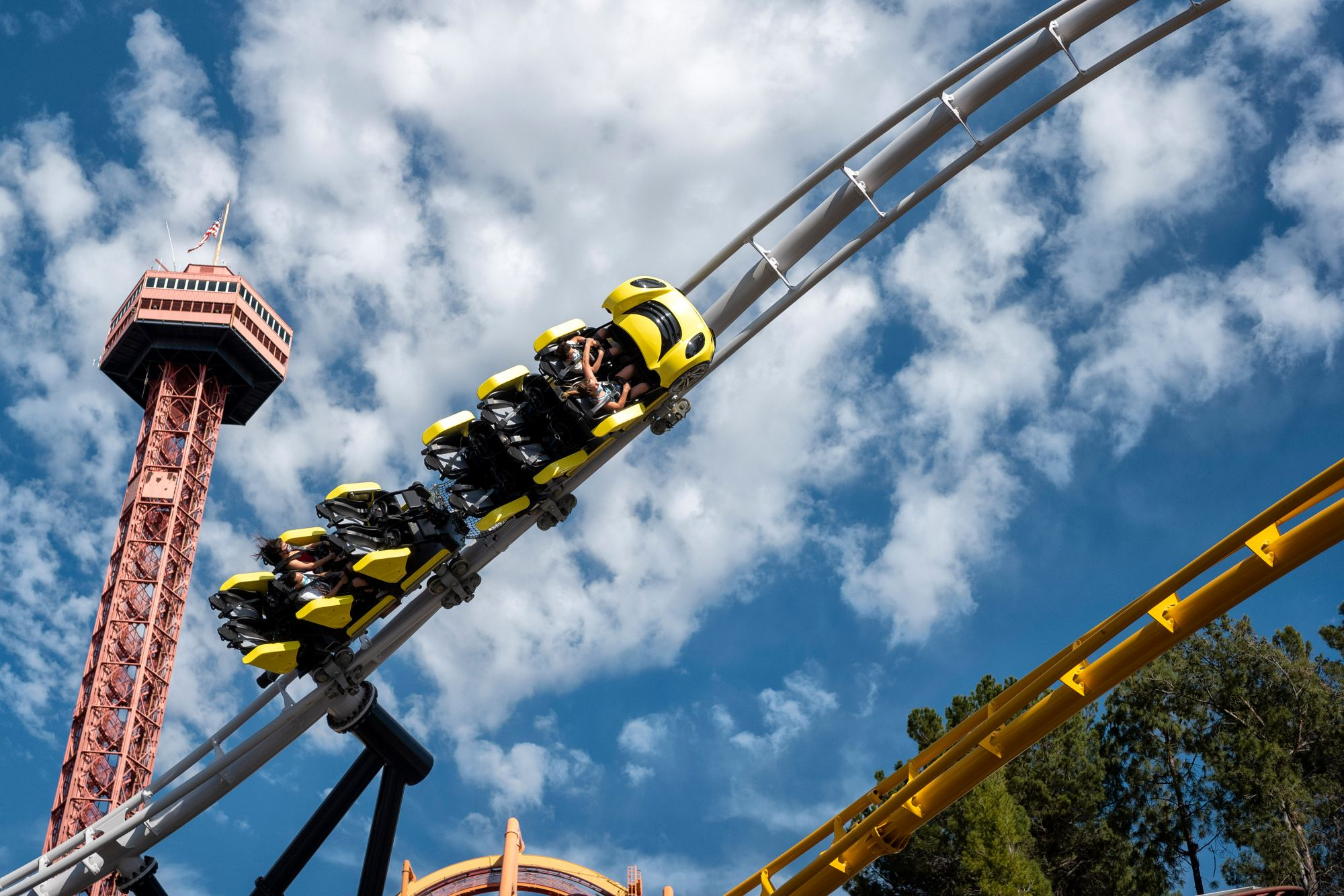 six flags spent $20 million to upgrade the park and reopened it in april 2003 under the name six flags new orleans. Disney Universal Knott S And Six Flags Can Allow Fully Vaccinated Out Of State Visitors But They Aren T Doing It Yet Orange County Register