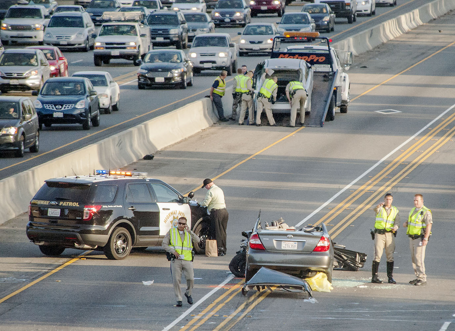 2 Killed In I 5 Crash In Irvine That Blocked Lanes For Hours Orange County Register