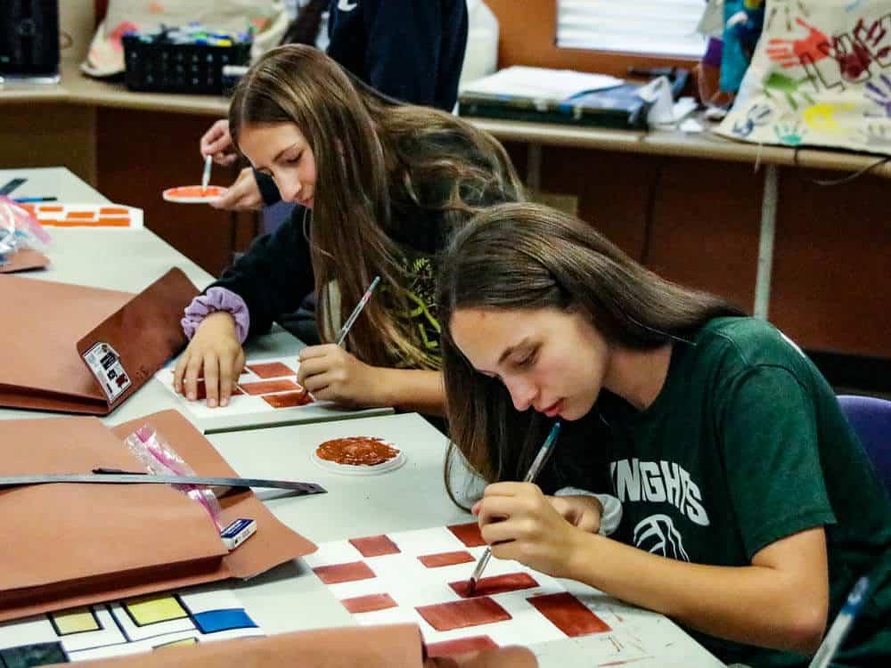 Art and ceramics classes are part of the Ontario Christian High School fine arts program