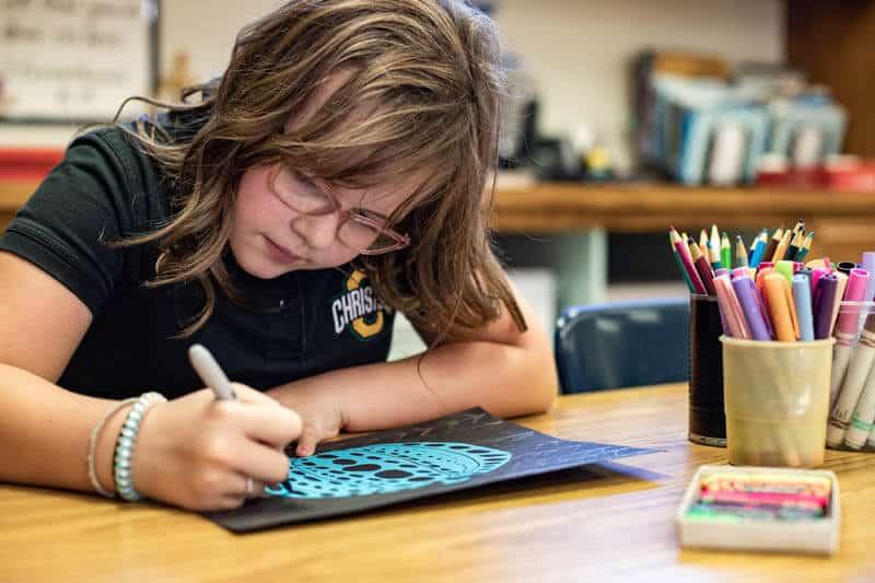 Ontario Christian elementary students enjoy enrichment courses in art