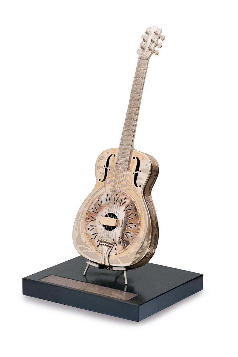 Silbernes Gitarrenmodell