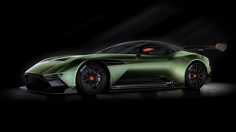 Aston Martin Vulcan von schräg vorne aufgenommen