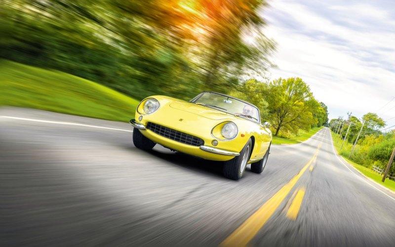 #42, Ferrari, 275 GTS/4, NART Spyder, Steve McQueen