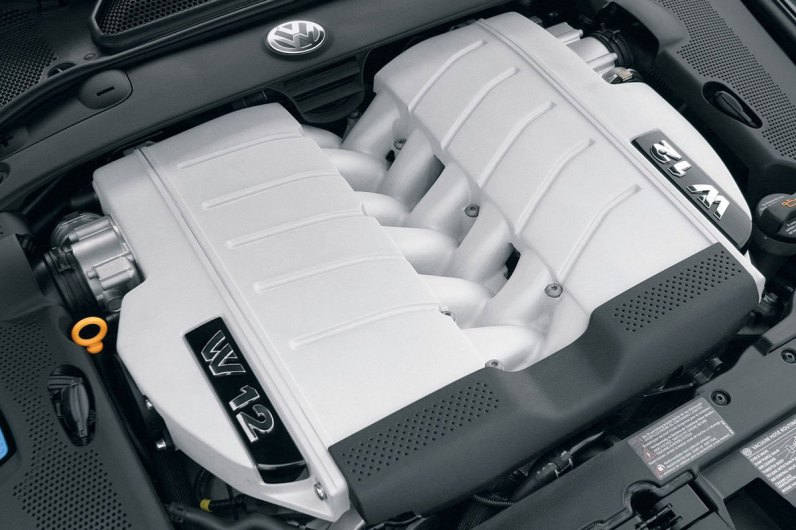 Octane Magazin 36 Neoclassics VW Phaeton W12 Motor