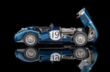 "OCTANE Limited Edition Jaguar C-Type ""Ecurie Ecosse"""