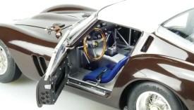 Octane Magazin Shop Modelcars M 156 30