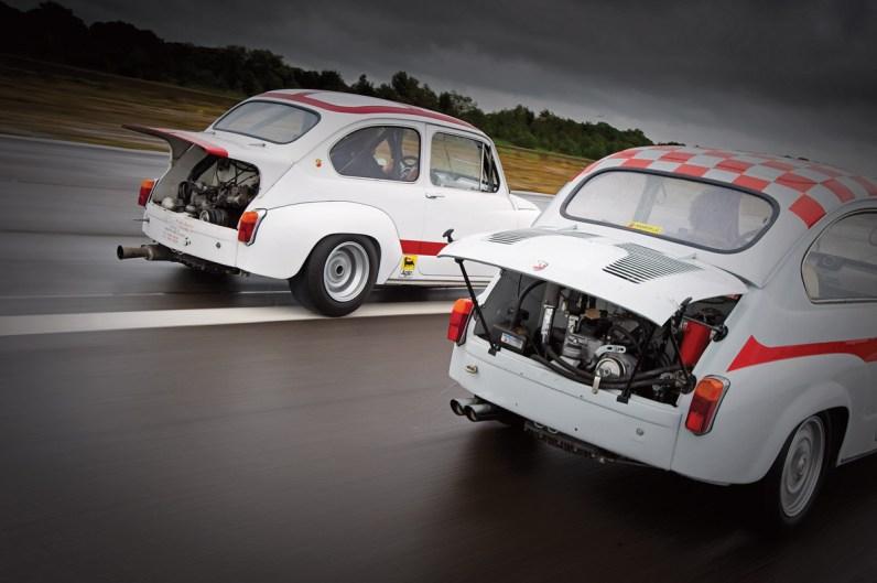 Fiat 600 Abarth fahrend und Fahrzeugdetails