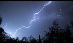 lightning storm -aiac