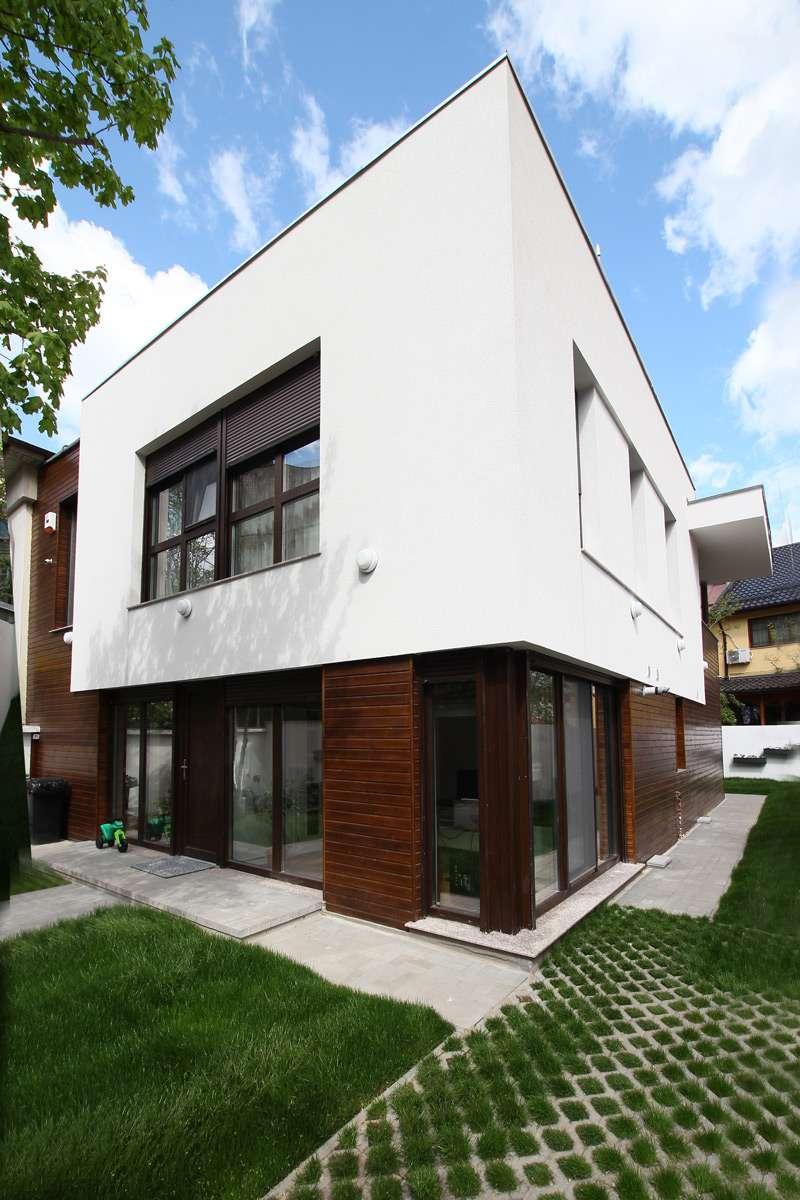 Pentru o familie modernă este cel mai potrivit un proiect de casă modernă