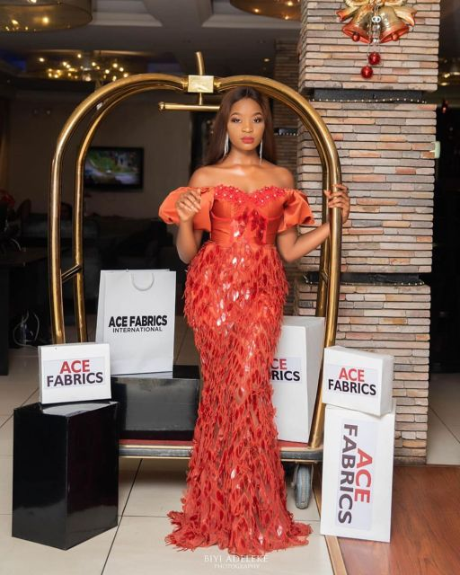 Aso Ebi Styles 2020 aso ebi styles 2020 - Aso Ebi Styles 2020 10 512x640 - 30 Aso Ebi Styles 2020 For Classy African Ladies To Try Out