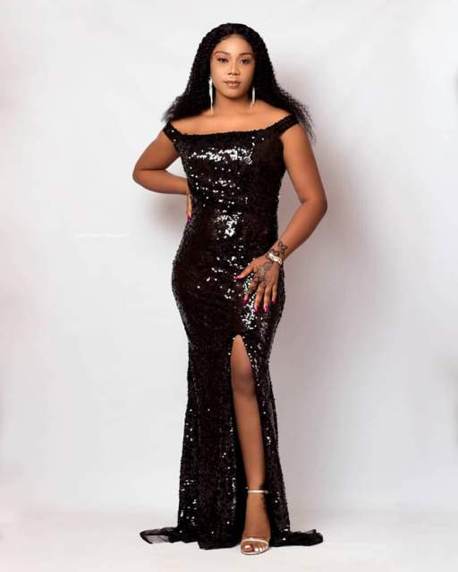 Aso Ebi Styles 2020 aso ebi styles 2020 - Aso Ebi Styles 2020 22 512x640 - 30 Aso Ebi Styles 2020 For Classy African Ladies To Try Out