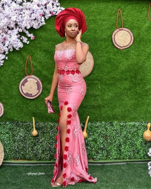 Aso Ebi Styles 2020 aso ebi styles 2020 - Aso Ebi Styles 2020 27 512x640 - 30 Aso Ebi Styles 2020 For Classy African Ladies To Try Out