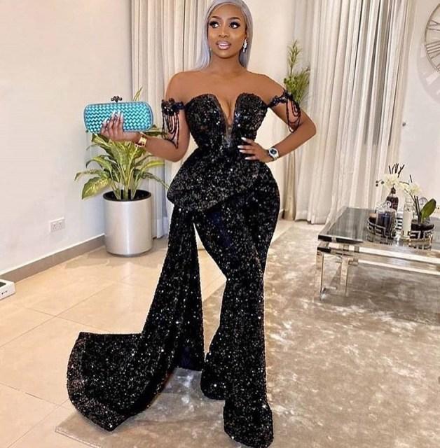 Black Lace Asoebi Styles  black lace asoebi styles - Black Lace Asoebi Styles 5 628x640 - 15 Black Lace Asoebi Styles To Make You Look Fabulous This Weekend