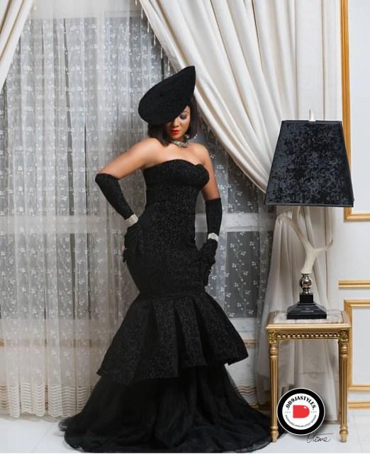 Elegant Lace Aso-Ebi Styles elegant lace aso-ebi styles - Elegant Lace Aso Ebi Styles 1 522x640 - 35 Elegant Lace Aso-Ebi Styles To Inspire Your Next Owambe Outfit
