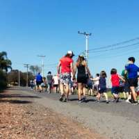 Parque Maeda promove passeios a pé para seus hóspedes  e um delicioso 'rodízio' de morangos
