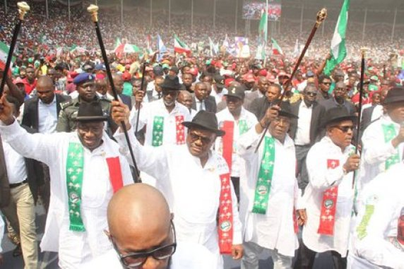 Atiku during his campaign in Rivers