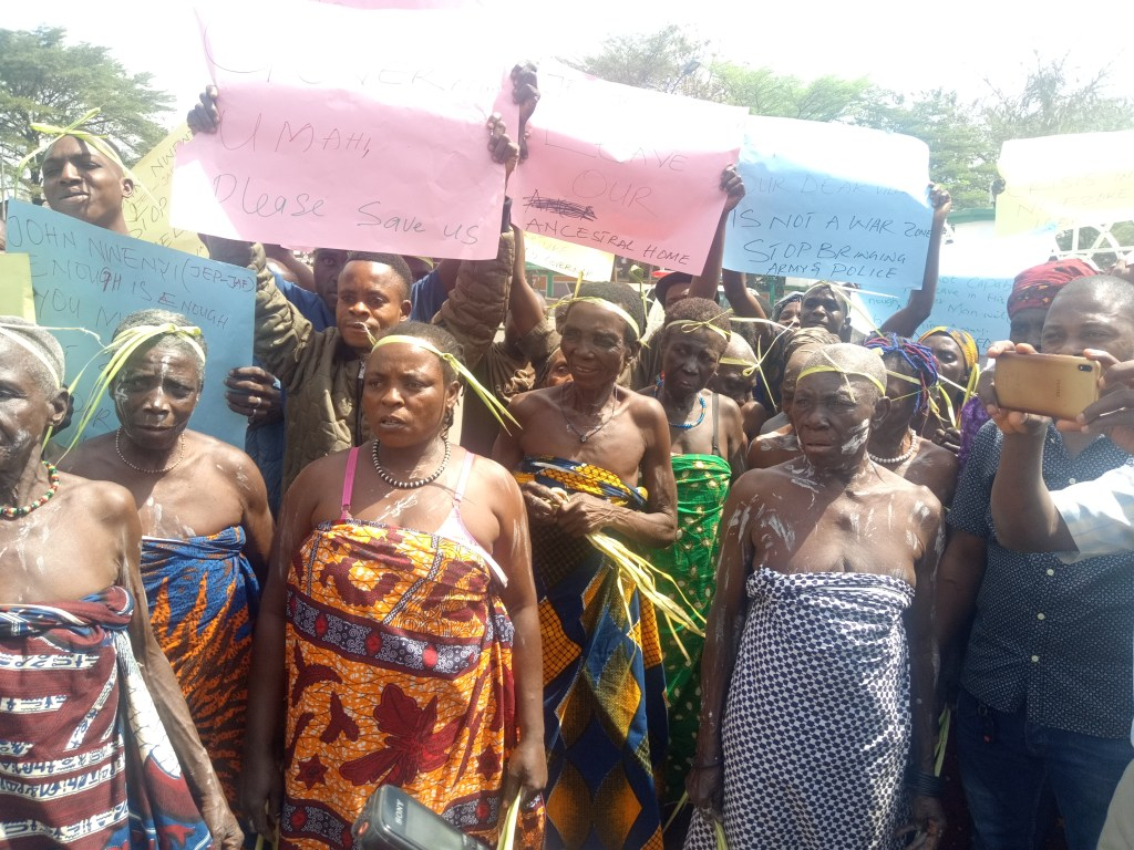 Tension As 200 Women Protest NAKED In Ebonyi - The Trent
