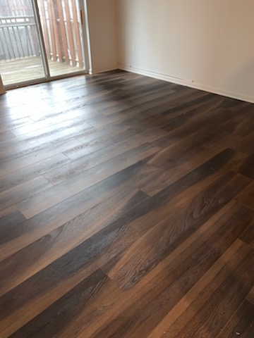Kitchen-Floor-After-Commercial-Cleaning