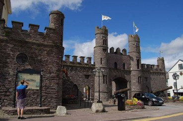 16 David Roche, High Sheriff of Kerry, was condemned to be shot at Macroom Castle