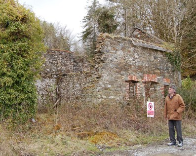 5 Johnnie Roche looks on the ruin of Mount Eagle Lodge