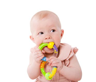 Jak ulevit dítěti při prořezávání zoubků?