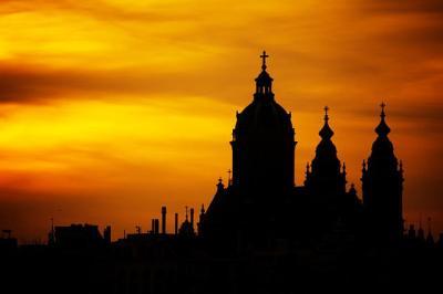 silueta kostela