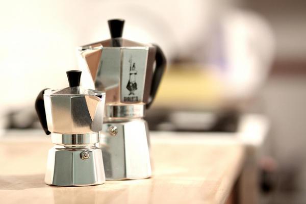 Jak připravit kávu v moka konvičce?