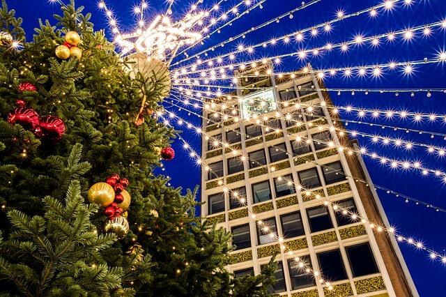 Jaká je přes Vánoce otevírací doba velkých obchodů?