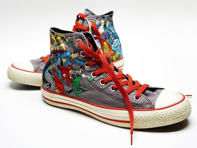 Proč jsou tkaničky u bot tak dlouhé?