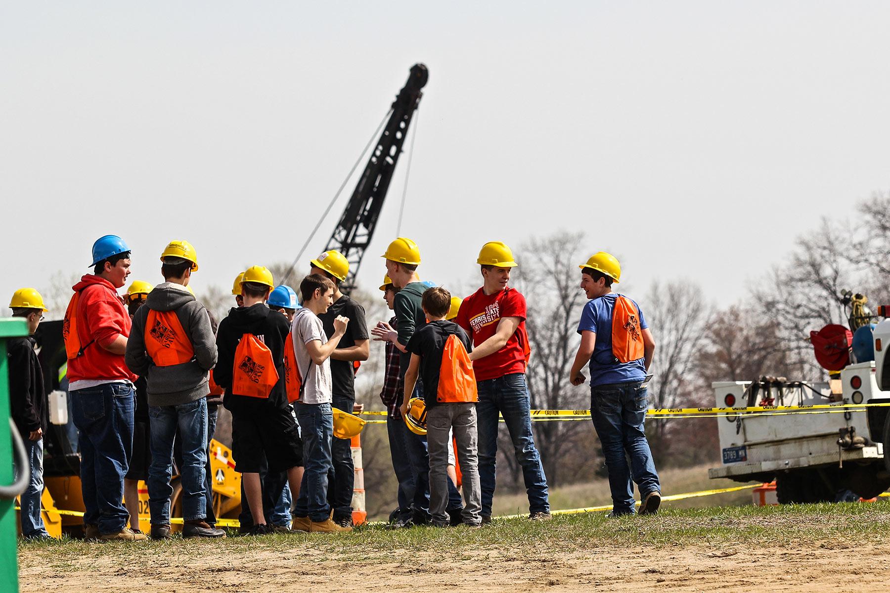career construction club brings - HD1800×1200