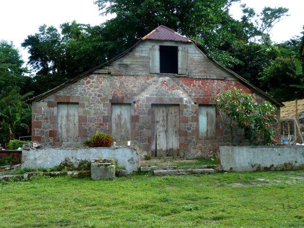 Antiga-fazenda-de-cafe-sendo-convertida-em-pousada-para-os-trilheiros
