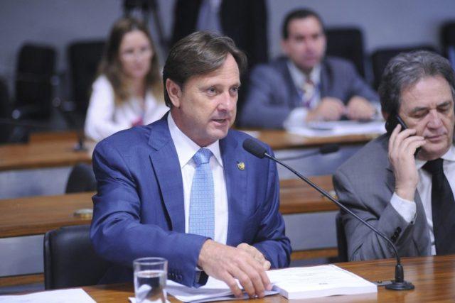 Acir Gurgacz (PDT-RO), relator da proposta que adia o CAR na comissão de agricultura do Senado. Foto: Pedro França/Agência Senado