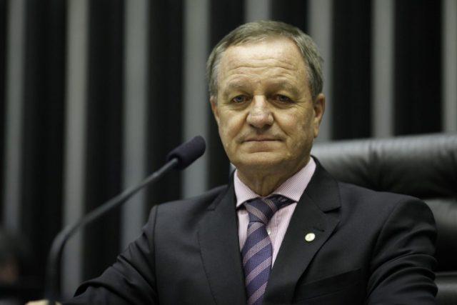 Requerimento do deputado Valdir Colatto (PMDB-SC) convoca o ministro do Meio Ambiente, José Sarney Filho, a prestar esclarecimentos sobre CRA, PRA e a criação de parques florestais. Foto: PMDB Nacional/Flickr.